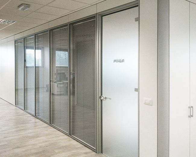 One Partitions Photo 28
